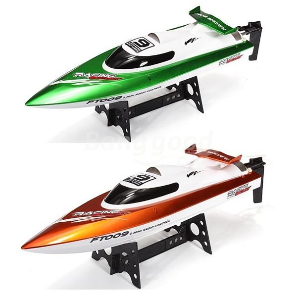 Závodní sportovní člun FT-09 2