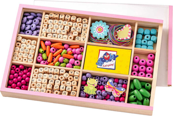 WOODY DŘEVO Korálky navlékací abeceda set s přívěsky v dřevěném boxu